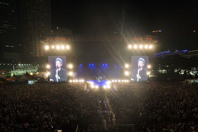 Electrifying performances by world-renowned international acts at the Padang Stage