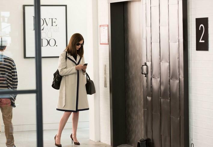 [精品介紹] 電影學時尚-高年級實習生 安海瑟威Anne Hathaway-職場穿搭品牌指南(本篇有劇情雷)