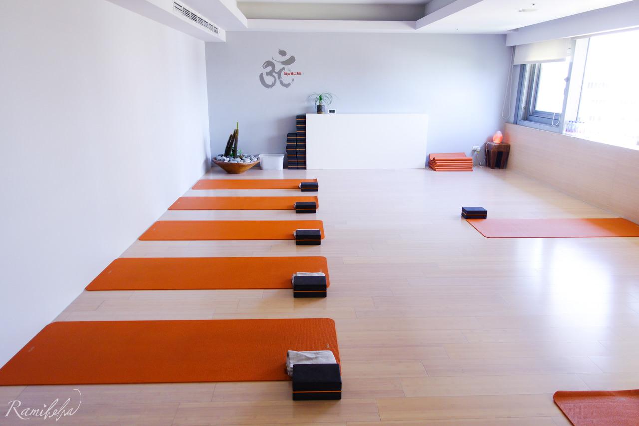 Space-Yoga-瑜伽會館-忠孝敦化-敦南誠品-瑜伽課-推薦-哈達瑜伽-八肢瑜伽-瘦身減肥-改善肩頸痠痛-矯正駝背-減輕壓力-健身