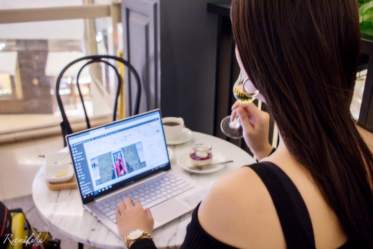 ASUS-華碩-筆電-VIVO-S13-閃漾金-設計感-好攜帶筆電-11吋-好穿搭-適合女生-使用心得分享