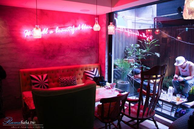 東區-時尚咖啡廳-CHLOECHN Cafe-Vogue推薦-室內室外風格很不一樣