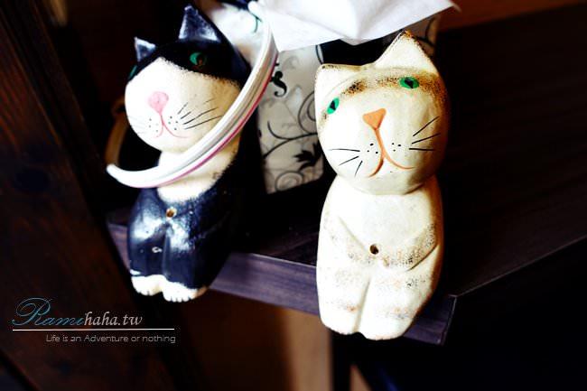 Meow012