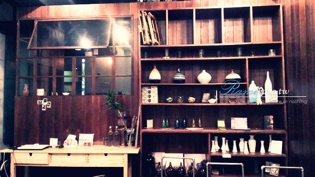 [台北] 東區 咖啡廳 – 板南線 忠孝復興站 電影極光之愛咖啡館 Longtimeago cafe (推薦造型拉花咖啡、大眼蛙咖啡、餐點普通無特殊印象XD)
